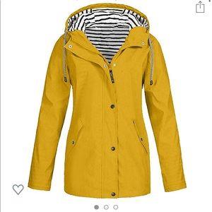 Cute Preppy Yellow Raincoat ☔️